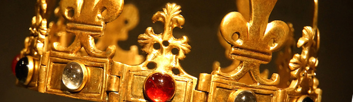 anglo saxon crown for warning to the curious